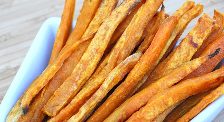 Your dogs are in for a real treat with these homemade plain or honey glazed sweet potato pup fries.Get the recipe on Proud Dog Mom!